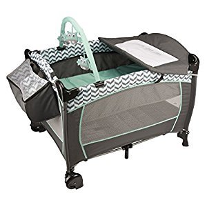 Evenflo Portable Baby Suite Deluxe  Spearmint Spree